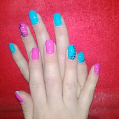 Hot pink and blue....love the ring finger detail