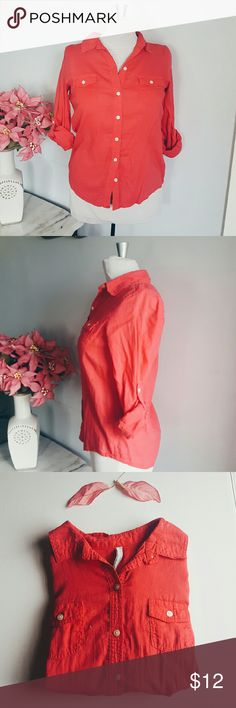 Old Navy Button Down Brand| Old Navy Tag Size| Small Coral in color  preloved|in good condition  Hi! My name is Aleja, thank you for stopping by,  >I ship same day or next  >I do not do try-ons but my cute mannequin will >I only do 24hr holds  >Not responsible for lost mail.  >I usually accept reasonable offers >Bundle and Save even more!  >Happy to answer all questions! Follow me on IG: @bella_doncella1107 for first look of new up coming items and sales! Old Navy Tops Button Down Shirts