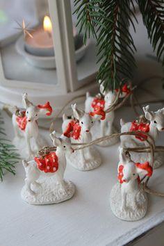 RedCountry háza tája Tao, Candle Holders, Candles, Christmas, Home, Xmas, Ad Home, Porta Velas, Candy