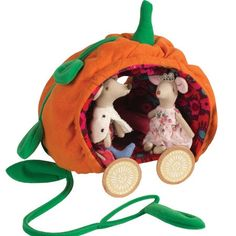 Beautifully made - a magical ride for your two included royal mice. The pumpkin coach is perfect for a fun play house. Visit the rest of the Royal Family!