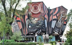 El majestuoso Poliforum es una obra maestra y orgullosamente mexicana del pintor David Alfaro Siqueiros.