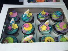 Surfer girl cupcakes Girl Cupcakes, Cupcake Cakes, Candy Buffet, Bakery, Angel, Desserts, Food, Tailgate Desserts, Deserts