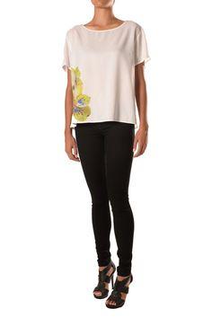 Shirt With Applique Applique, Black Jeans, Pants, Fashion Design, Shirts, Collection, Tops, Women, Trouser Pants