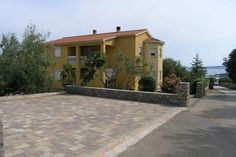 Apartment Ivan A2  Groot appartement met balkon en een buitenkeuken voor gebruik!  EUR 546.55  Meer informatie  #vakantie http://vakantienaar.eu - http://facebook.com/vakantienaar.eu - https://start.me/p/VRobeo/vakantie-pagina