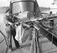 "Finnish sailor at the 20-mm anti-aircraft submarine ""Vesikko""- 19/7/1941, pin by Paolo Marzioli"