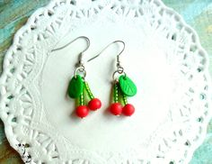 Sweet cherries (12 LEI la LoveMade.breslo.ro) Sweet Cherries, Handmade Flowers, My Images, Random Stuff, Crochet Earrings, Projects To Try, Places To Visit, Healthy Recipes, Cook