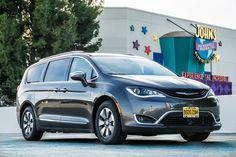 2018 Chrysler Pacifica Hybrid #VanGoals Chrysler Pacifica, Chrysler Dodge Jeep, Van, Vehicles, Vans, Car, Vehicle, Tools