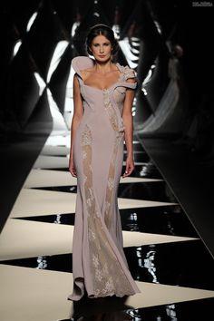 #fashion #temptacions #streetchicfashion #fashionista #streetstyle #accessories #ootd #complementosdemoda #primavera #cool #style #spanishbloggers #inspiracion #spring16 Uel+Camilo+-+spoločenské+šaty