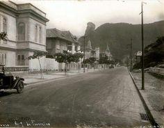 Rua Nove de Fevereiro (atual Rua República do Peru), Copacabana, em 18/10/1928.  Autor: Augusto Malta.