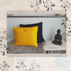 Bei dem Wetter macht man es sich doch am liebsten auf dem Sofa gemütlich. . #manufra #schmuddelwetter #kissen #gemütlichkeit #ökologisch #filz #kuschelzeit #erkältungszeit #sofazeit #nachhaltigkeit #feltdesign #nature #noplastic #sofatime #schnee Bed Pillows, Pillow Cases, Sofa, Home Decor, Felt, Sustainability, Snow, Home Decor Accessories, Pillows