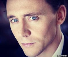 Monsieur Hiddleston again :3