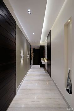 Modern Apartment in Mumbai by Evolve - Ceiling design