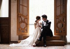 Weddingritz have 20 years of experience in Korea pre wedding Field that provide high quality customized photography package services to overseas customers with offering the lowest price pre wedding photoshoot packages. Korean Wedding Photography, Bridal Photography, Concept Photography, Wedding Bride, Wedding Dresses, Glamour Shots, Wedding Album, Couple Posing, Wedding Photoshoot