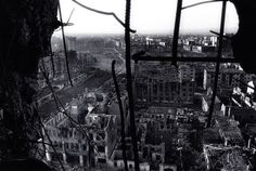 Grozny during the First Chechen War [900 606]