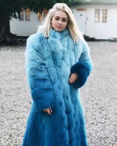 Fur Fashion, Winter Fashion, Chinchilla, Fox Fur Coat, Fur Coats, Fur Accessories, Fur Clothing, Fur Jacket, Kappa