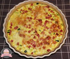 Morbier tart ham and zucchini Homade Pizza Recipes, Pizza Recipes Pepperoni, Chicken Pizza Recipes, Vegan Recipes, Zucchini, Oatmeal Cake, Everything Bagel, Cupcakes, Yummy Cakes