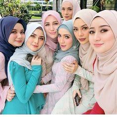 Outfit of the Day - hijab look; Beautiful Hijab Girl, Beautiful Muslim Women, Turban Hijab, Hijab Dress, Hijab Outfit, Muslim Fashion, Hijab Fashion, Fashion Muslimah, Women's Fashion