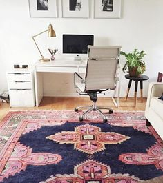 A statement rug will always be one of our favorite ways to add color to a nuetral space. Our Navy Kismet did just the trick for @morgansmith's LA workspace! #shareyourcwt #cwrugs
