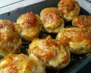 Encuentra las mejores recetas de patatas al horno rellenas de atun de entre miles de recetas de cocina, escogidas de entre los mejores Blogs de Cocina.