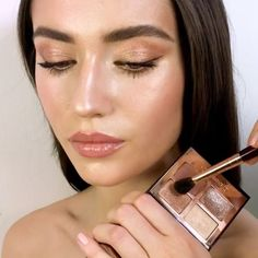 Makeup Essentials That You Don't Want To Go Without – Makeup Mastery Ethereal Makeup, Glowy Makeup, Makeup Eyes, Makeup Inspo, Makeup Art, Makeup Inspiration, Bridal Makeup, Wedding Makeup, Festival Make Up