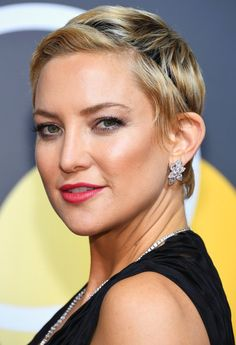 Every Red Power Lip at the 2018 Golden Globe Awards - Kate Hudson