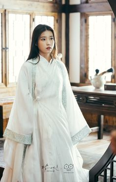 i'm just a girl that really likes moon lovers (wang wook) Iu Moon Lovers, Moon Lovers Drama, Korean Traditional Clothes, Traditional Dresses, Korean Hanbok, Korean Dress, Scarlet Heart, Korean Actresses, Hanfu