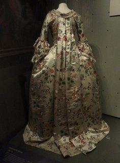 Robe and petticoat 1760-1770