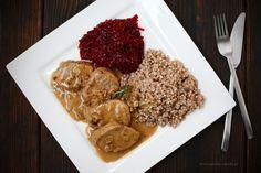 Polędwiczki w sosie grzybowym Pork Recipes, Food And Drink, Meals, Chicken, Dinner, Cooking, Ethnic Recipes, Recipes