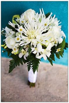 Simple but beautiful white bouquet.