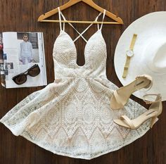 Image via We Heart It #accessoires #beautiful #dress #dresses #fashion #hat #heels #highheels #model #outfit #outfits #shoes #style #stylish #vintage #watch #mura+boutique