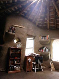 Cob House Built For Less Than $3,000 : TreeHugger