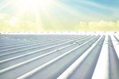 A tinta térmica para telhados é uma ótima forma de isolamento térmico. Ela promete reduzir o consumo de energia elétrica em torno de 60%, refrescando o interior de residências, galpões, armazéns. Durante o verão, telhados são capazes de...