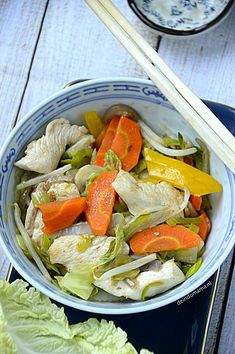 Asian Recipes, Ethnic Recipes, Wok, Chinese Food, Japchae, Cobb Salad, Food And Drink, Low Carb, Chicken