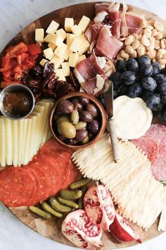 15 Drop-Dead-Gorgeous Charcuterie Boards to Elevate Your Dinner Party Charcuterie Recipes, Charcuterie Board, Tapas, Cheese Platters, Food Platters, Planchette Apero, Bacon Onion Jam, Meat And Cheese, Cheese Fruit