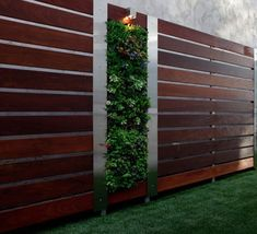 Diy garden fence ideas wood fence with aluminium posts backyard ideas on a budget garden diy . Brick Fence, Concrete Fence, Front Yard Fence, Pallet Fence, Farm Fence, Wood Fences, Front Yards, Diy Pallet, Horse Fence