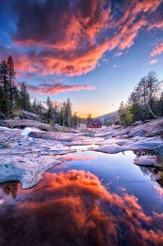 Les plus beaux couchers de soleil en bord de lacs ou de rivière. Cet article s'inscrit dans une série d'articles dédiés aux couchers de soleil.