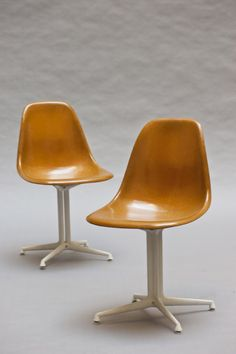 Charles and Ray Eames; #DSW Polyester-Reinforced Fiberglass and Enameled Metal 'Lafonda' Chairs for Herman Miller, 1960s.