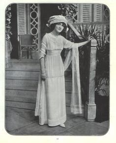 """Lily Elsie as """"Alice"""" in """"The Dollar Princess"""" 1910"""