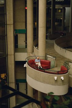 Bonaventure Hotel designed by John Portman, Downtown Los Angeles, California. photo by Interior Architecture, Interior And Exterior, Futurism Architecture, Downtown Los Angeles, Downtown Memphis, Zaha Hadid, Brutalist, Art Deco, Cool Stuff