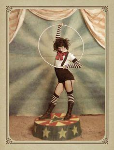 vintage circus Circus Vintage, Vintage Circus Costume, Vintage Carnival, Vintage Circus Performers, Circus Fancy Dress, Dark Circus, Circus Art, Circus Theme, Circus Acrobat
