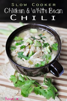Slow Cooker Chicken and White Bean Chile - #chickenchile #whitebeanchile #foodporn #Dan330 http://livedan330.com/2014/12/01/slow-cooker-chicken-white-bean-chile/