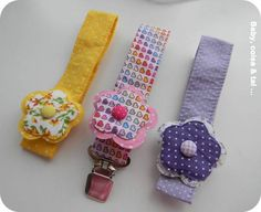 Kit Prendedor de Chupeta Luxo                                                                                                                                                                                 Mais Baby Binky, Kit Bebe, Dummy Clips, Couture, Baby Sewing, Baby Items, Bracelet Watch, Baby Shower, Crafts