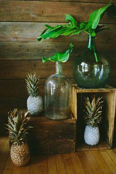 Summer Open House Photo by Amber Vickery Photography #BrodieHomestead #weddingvenue #austin #vintage #decor #pineapples