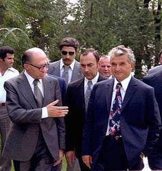 Lovitură de stat 1989 | Nicolae Ceauşescu Preşedintele României site oficial Prime Minister, Continents, Golden Age, Romania, Gq, History, Retro, Instagram, Military