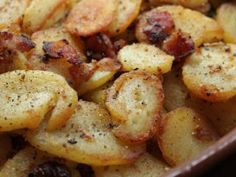 Germen style fried potatoes (Bratkartoffeln) Verdict: These were very good but anything with potatoes & bacon is! Amish Recipes, Dutch Recipes, Side Recipes, Potato Recipes, Vegetable Recipes, Cooking Recipes, German Recipes, Potato Dishes, Food Dishes