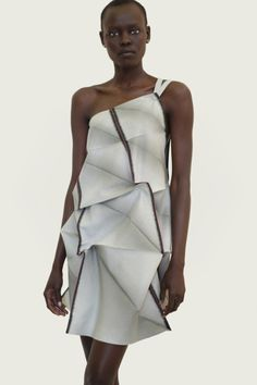 Issey Miyake, Autumn/Winter 2012 collection | Architect's Fashion