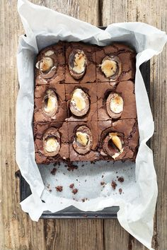 These Cadbury Creme Egg brownies tray bake are totally yummy! Easy to follow step by step instructions with images and recipe to help you. Get baking now!