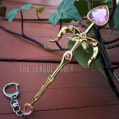 League of Legends - Pink Heartseeker Vayne Crossbow Keychain/Necklace