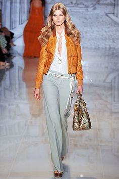 Gucci Resort 2009 Fashion Show - Maryna Linchuk
