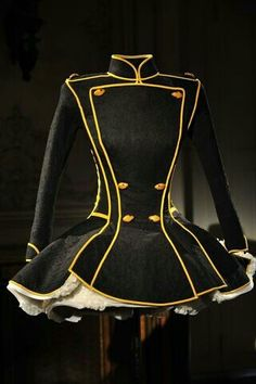 Stunning tutu-jacket!